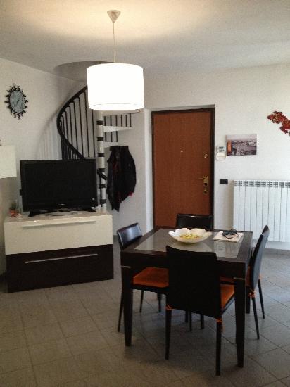Appartamento PESCAROLO ED UNITI €85.000,00