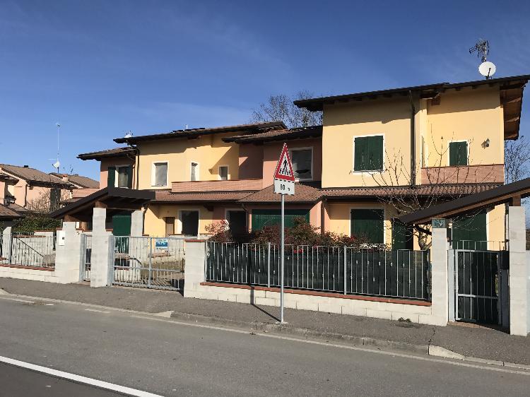 Villa a schiera ACQUANEGRA CREMONESE €175.000,00