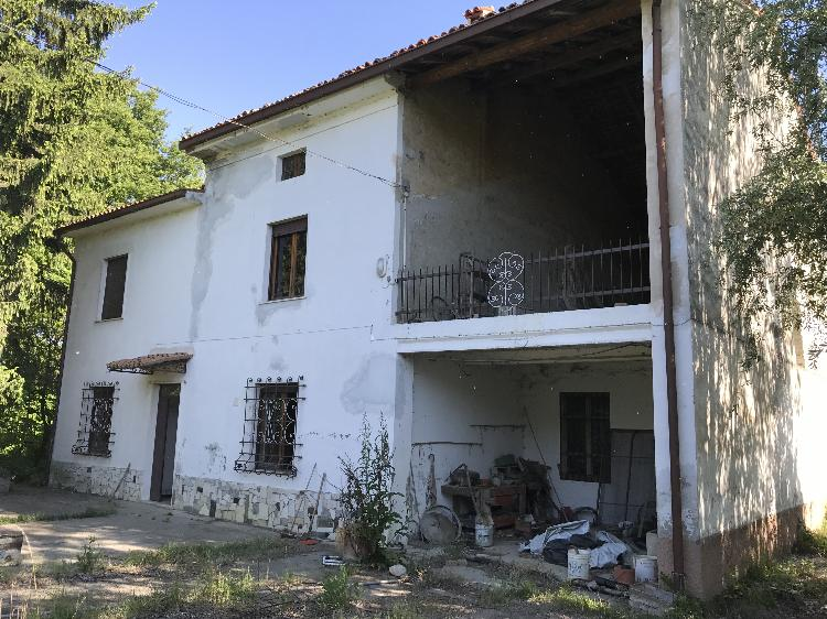 Casa fuori città MOTTA BALUFFI €70.000,00