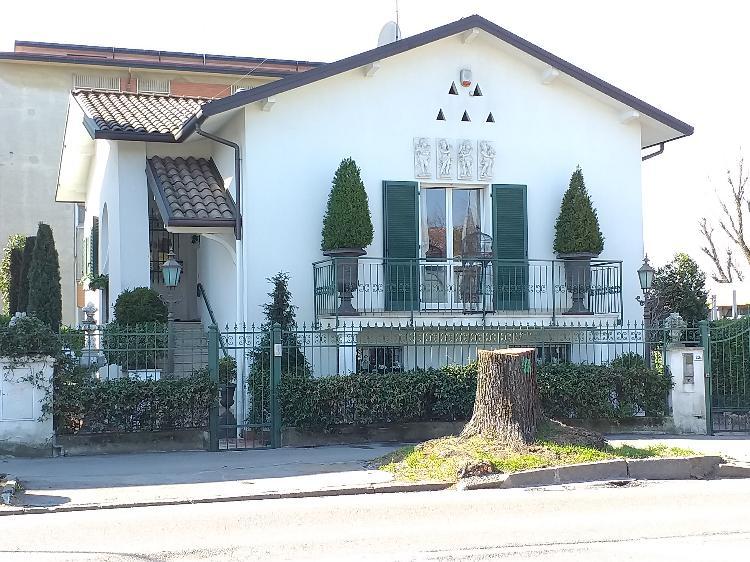 Villa indipendente CREMONA TRATT. RISERVATA