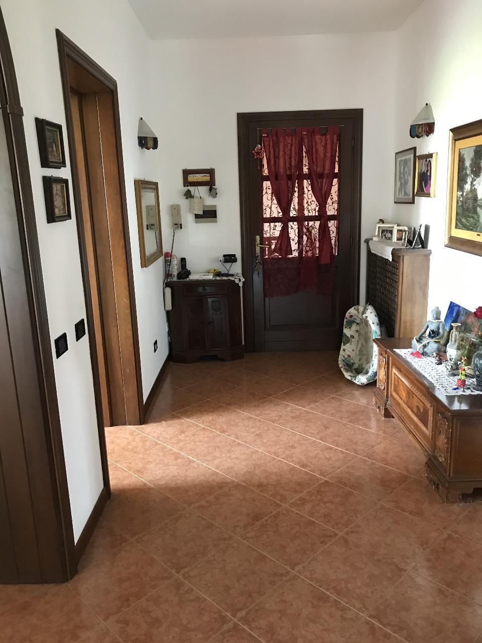 Casa fuori città CASTELVETRO PIACENTINO €175.000,00