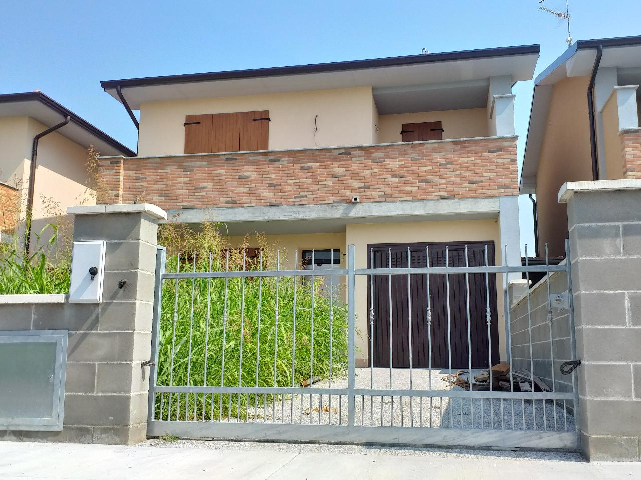 Villa a schiera PIEVE D'OLMI €145.000,00