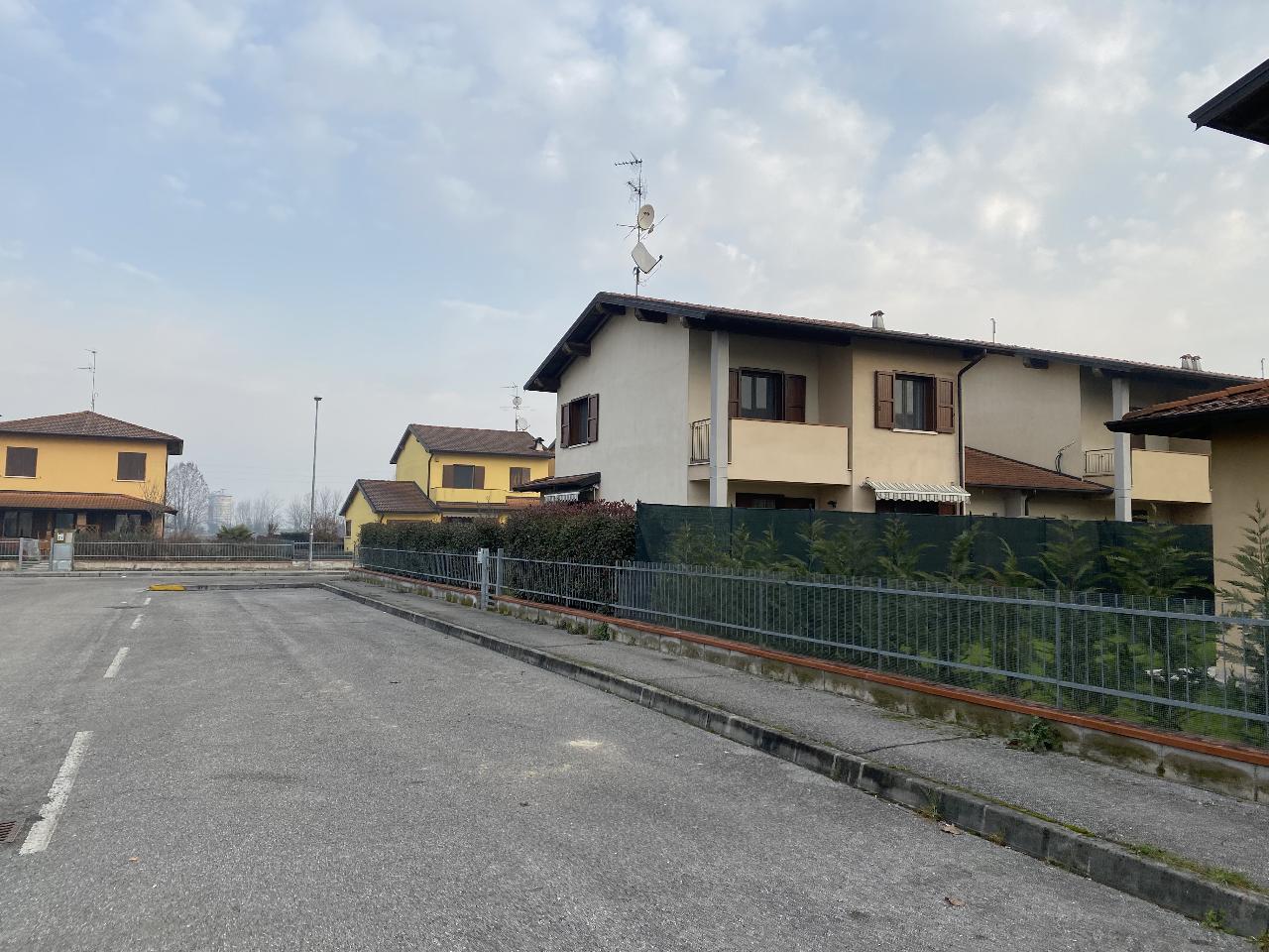 Villa a schiera OLMENETA Euro 175.000,00