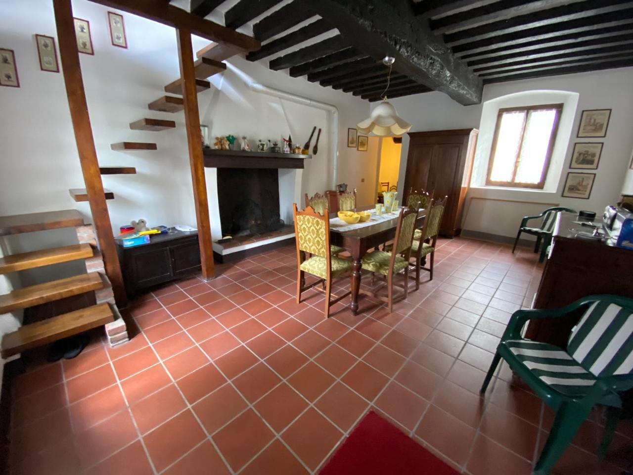 Casa fuori città CASTELVETRO PIACENTINO €70.000,00
