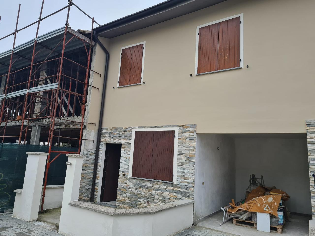 Villa a schiera PESCAROLO ED UNITI Euro 125.000,00