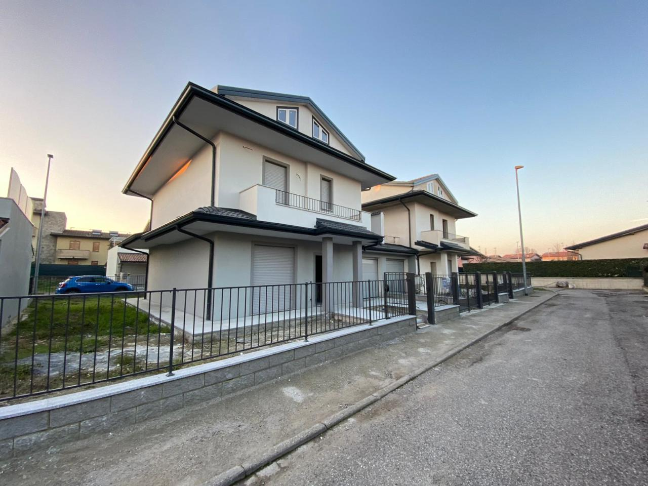 Villa indipendente SESTO ED UNITI €258.000,00