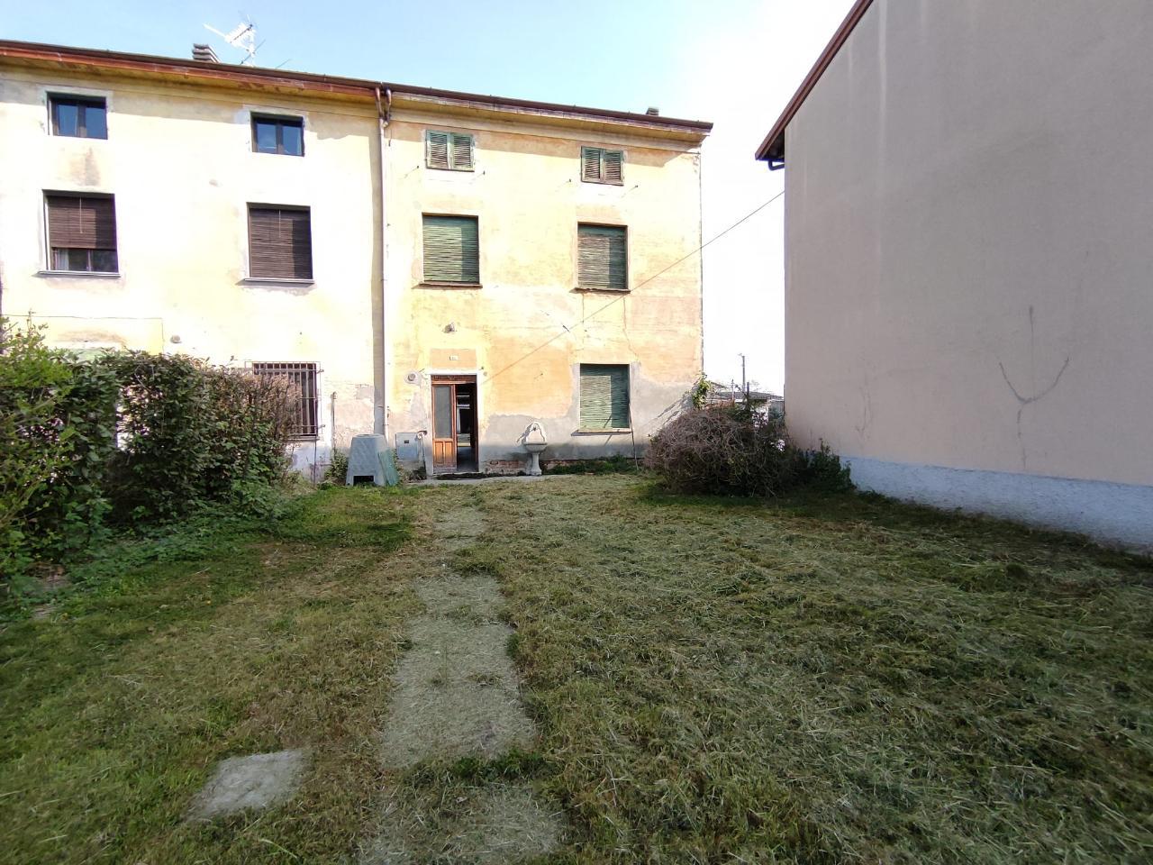 Casa fuori città SCANDOLARA RIPA D'OGLIO Euro 38.000,00