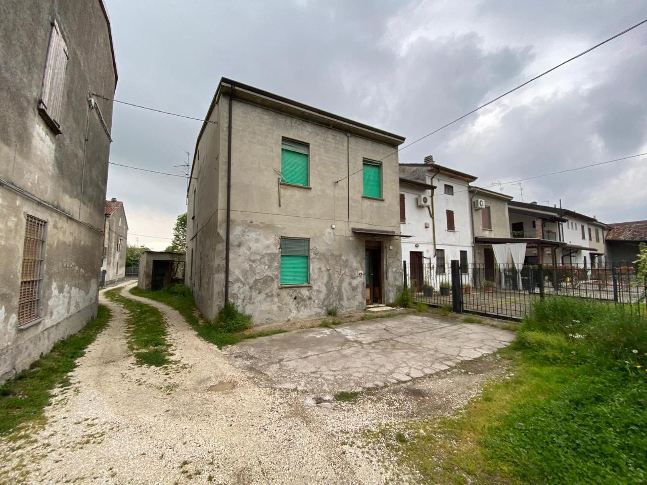 Casa fuori città TORRE DE' PICENARDI Euro 29.000,00