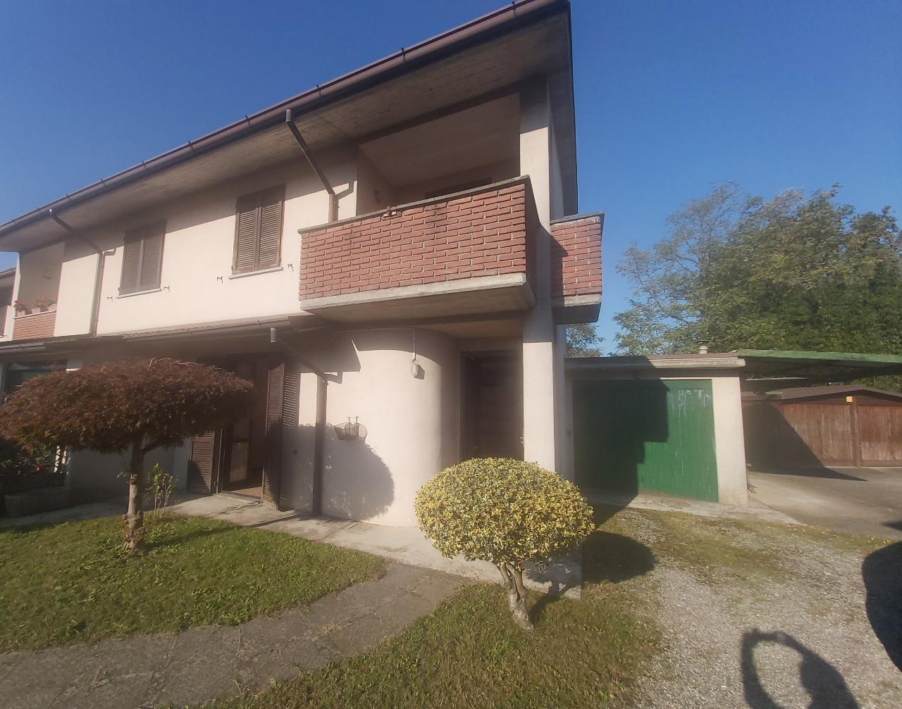 Villa a schiera CASALMORANO €165.000,00